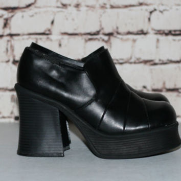 90s Chunky Boots Black Vegan Leather US 8 Monster Platform Heel Ankle Bootie Grunge Hipster Festival Minimalist Punk Goth Gothic Nu Shoes