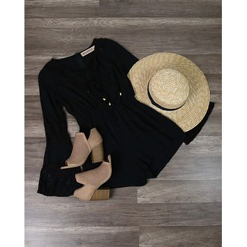 Reverse - Bell Sleeves Lace Up Front Romper With Lace in Black