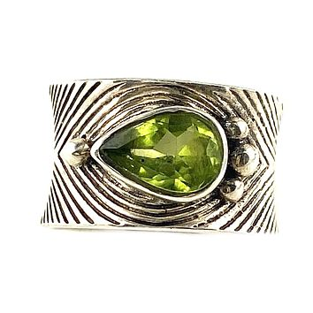 Peridot Sterling Silver Textured Band Ring