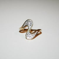 Size 9.5- 14K  Gold Vintage with Diamonds  - FREE US Shipping
