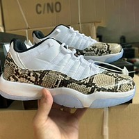 Nike AIR Jordan AJ11 basketball shoes Gypsophila Joe 11 low-top classic black and white devil high-top sneakers