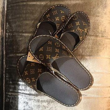 LV Louis Vuitton Printed Letter Home Slippers Couples Same Style Four Seasons Universal Casual Slippers flip flop Coffee