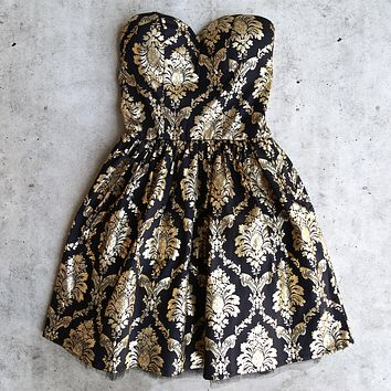 Final Sale - Strapless Gold Baroque Print Dress in Black