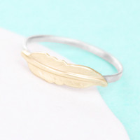 Feather Ring in Brushed Finish