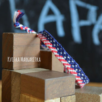 USA flag bracelet. friendship bracelet USA flag. July 4th gift. Independence Day. Best friend gift.