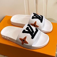 LV Louis Vuitton New Plush Embroidered Letters Men's and Women's Beach Slippers Sandals Shoes White
