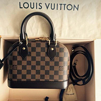 Louis Vuitton Lv Monogram Alma Bb #2081