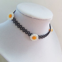 Daisy tattoo choker 90s grunge stretchy necklace with daisies