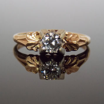 1940s Two Tone Floral Collumn Illusion Head Detailed Unique Antique Engagement Ring RGDI2000