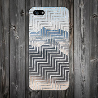 Geometric Mountains x Silver Zig Zag Design Case for iPhone 6 6 Plus iPhone 5 5s 5c iPhone 4 4s Samsung Galaxy s6 s5 s4 & s3 and Note 4 3 2