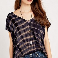 Ecote Frayed V-Neck Tee in Blue - Urban Outfitters