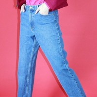 High Rise Mom Jeans / 30 Inch Waist
