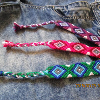 Handmade friendship bracelets - Diamond pattern