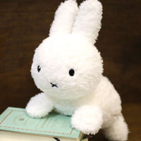 Miffy Character Cute Kuttari Plush Type Rabbit (White)