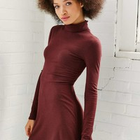 BDG Kaylyn Ribbed Wine Turtleneck Dress - Urban Outfitters