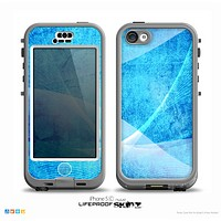 The Blue Distressed Waves Skin for the iPhone 5c nüüd LifeProof Case