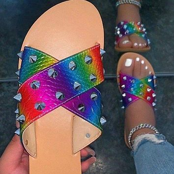 New Flat Bottomed Large Size Women's Shoes Riveted Beach Flip Flops