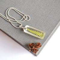 Real Fern Necklace. Botanical in Resin Necklace. Green Dried Fern Necklace. Pressed Flower Jewelry.