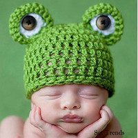 Newborn Baby Boy Green Crochet Prince Frog Hat Beanie. Photo Props Costume