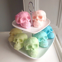 Wedding Favour sample! Small Skull candle 100% soywax with natural dyes - available in a range of scents & any colour to match your theme.