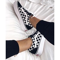 Tiktoki1 Vans Old Skool Classics  Sneaker Black + black white tartan Plaid Shoes