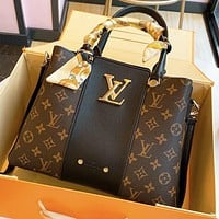 Hipgirls LV Louis Vuitton Fashion Hot Sale Women's Letter Print Stitched Tote Bag Shoulder Bag