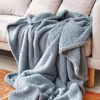 Amped Fleece Throw Blanket - Urban Outfitters