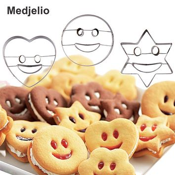 2PCS Emoji heart shape star round smile face Cookie biscuit mould Cake Baking Molds Fruit and vegetable bread Plasticine Cutter