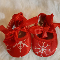 Crib shoes, red/white, christmas themed, Newborn