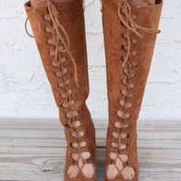 SZ 7.5 Downtowner Tan Lace Up Knee High Boots