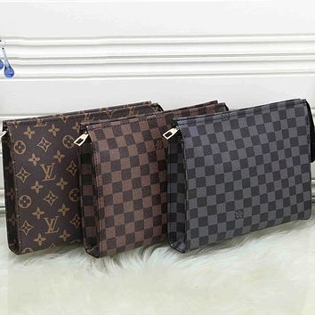 LV Louis Vuitton Classic Plaid Letters Fashion Men's and Women's Cosmetic Bags Zipper Handbags Toiletries Bags