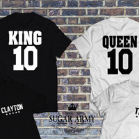 King and Queen matching shirts with names on the front, couples shirts, couple matching shirts, UNISEX style, Pärchen-T-shirt