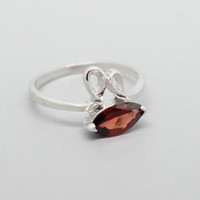Rabbit Garnet Sliver Ring, 925 Garnet Ring, January Birthstone, Birthdays gift, Wedding present, Special Occasions