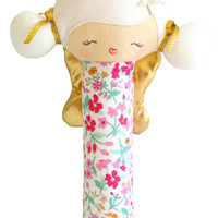 ALIMROSE WILLOW FAIRY SQUEAKER FLOWER BOUQUET