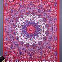 Psychedelic Star Indian Mandala Tapestry, Hippie Tapestries, Tapestry Wall Hanging, Wall Tapestries, Bohemian Bed Spread, Dorm Tapestries