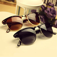 Wayfarer Style Unisex Sunglasses In Multiple Colors