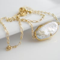 Pearl Necklace, Modern Necklace, Gold Necklace