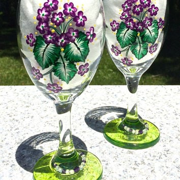 Hand Painted Wine Glasses With Violets and Wine Glass Charms, Bridal Shower Gift, Birthday Gift, Anniversary Gift, Wedding Gift