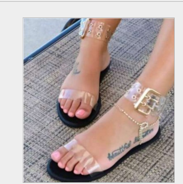 Image of The new flat-bottomed peep-toe sandal is a hit shoes