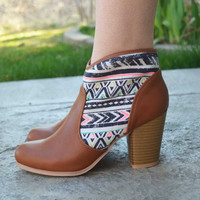 Walking on Clouds Booties - Cognac