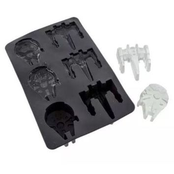 Disney Star Wars Silicone MILLENNIUM FALCON & X Wing Ice Cube Tray Molds