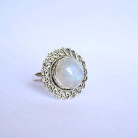 moonstone ring, moon stone silver ring,silver rainbow ring, silver ring, stone ring, 92.5 sterling silver,moon stone Silver Ring, RNSLMN202