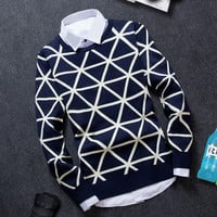 Slim Fitting Triangle Men's Comfortable Knitted Sweater Knitwear