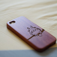 Totoro on Branch iPhone 5 Case, Engraved Wood iPhone 5 Case, Natural Walnut Wood iPhone 5s Case