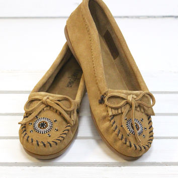 Minnetonka: Me to We Moccasin {Taupe} - Size 6