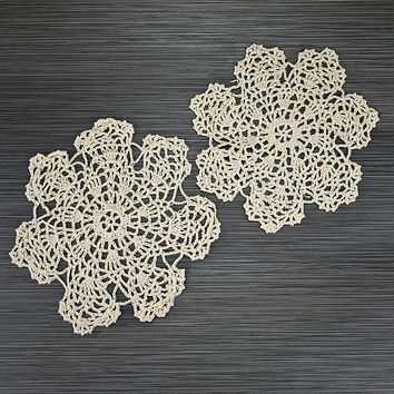 Set of 5 Vintage Hand Embroidery Pink /& White Placemats and Doily with Crochet Trim