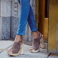 Jeffrey Campbell + Free People Womens Sweet Jane Platform Clog
