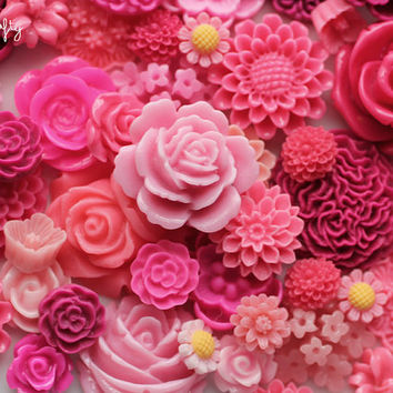 25pc pink tones flower cabochon mix / high quality resin flower grab bag / diy earrings, rings, and hairpins