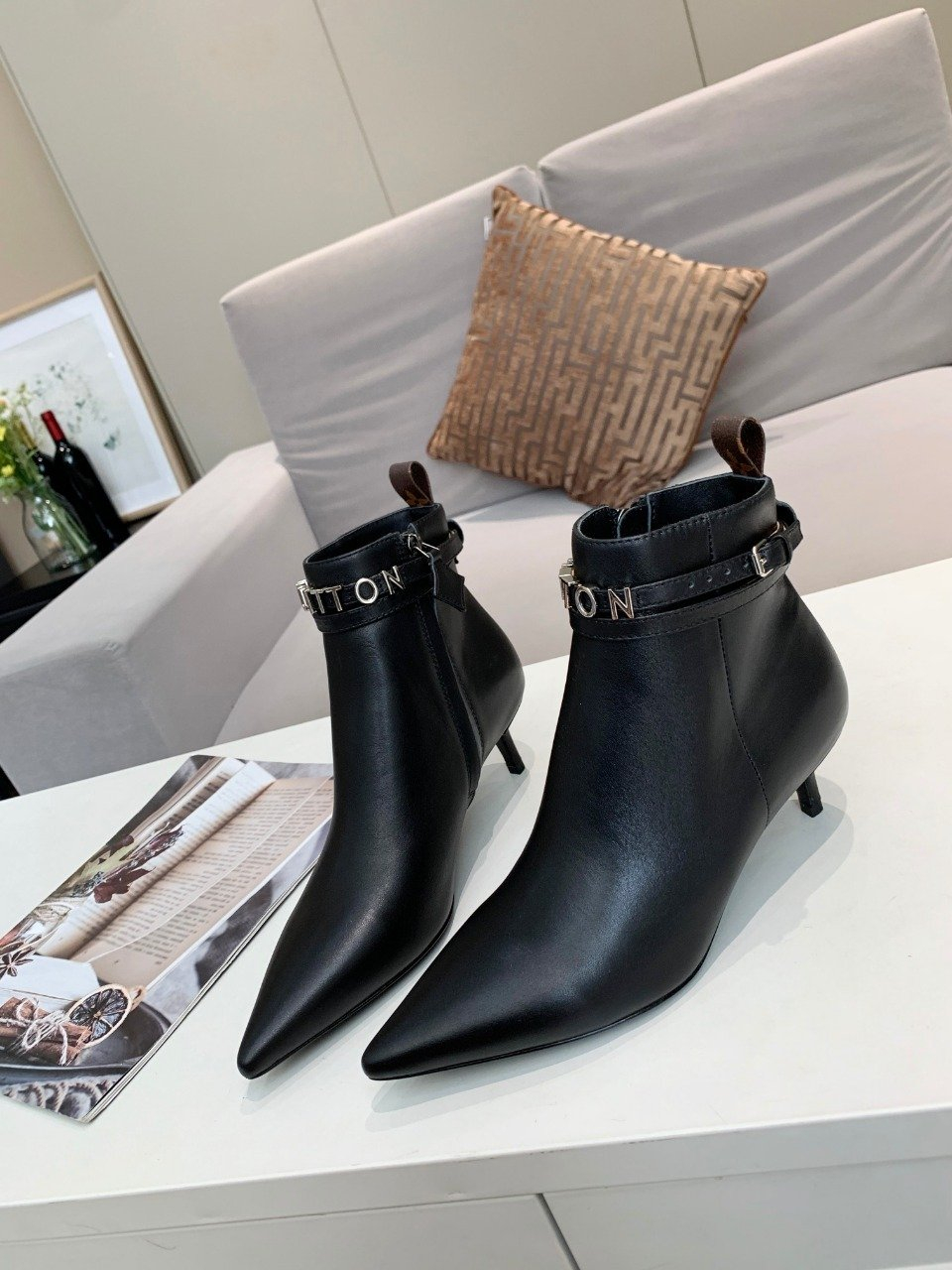Image of lv louis vuitton trending womens men leather side zip lace up ankle boots shoes high boots 175