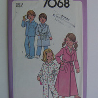 Simplicity 7068, child's pajamas and bathrobe, UNCUT vintage pattern from  1977, size 3
